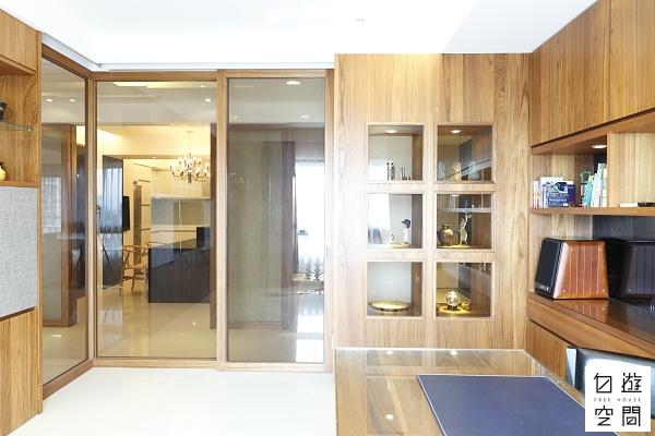 自遊空間 「自由無壓」與「尊榮待客」的家 隔間櫃