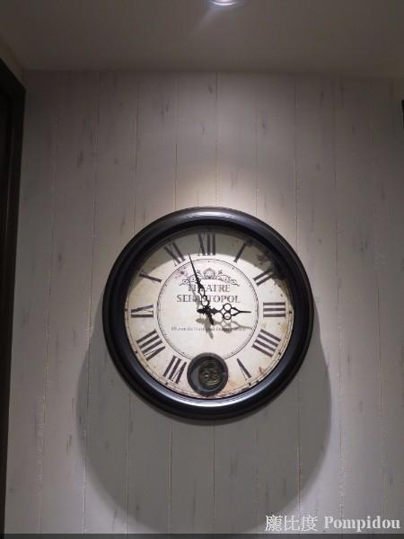 龐比度混搭風案例 骨董鐘
