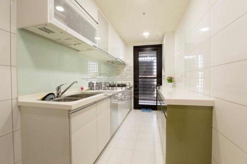 實現內心深處的理想住家-廚房動線│皇頡空間設計